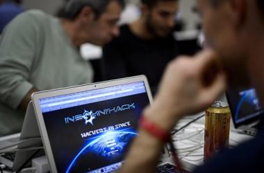 中国共産党がオンライン投稿の追跡を海外在住者まで拡大(THOMAS SAMSON/AFP)