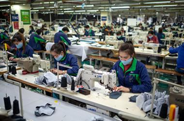 中国国内の専門家は、当局の内循環政策について、所得格差による個人消費の低迷が大きな障害だと指摘した(Linh Pham/Getty Images)