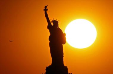 自由の女神像、ニューヨーク。2017年6月撮影(Michael Heiman/Getty Images)