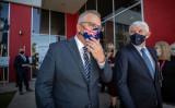 モリスン首相が訪日し、菅義偉首相と会談する。日豪安全保障協定を締結する見通しだ。10月20日、メルボルンのワクチン研究所で記者会見を終えたモリスン首相(Darrian Traynor/Getty Images)