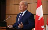 カナダ国会では、野党・保守党の提出した中国の干渉に対抗する政策を求める動議が通過した。8月、国会内で記者会見する保守党オトゥール党首(DAVE CHAN/AFP via Getty Images)