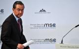 中国外相・王毅氏が11月24日、25日に来日する。写真は2020年2月、独ミュンヘン・セキュリティ会議に出席した王外相(Johannes Simon/Getty Images)
