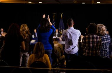 ペンシルベニア州上院多数政策委員会で大統領選挙の不正について起訴したジュリアーニ弁護士たちが出席する公聴会が開かれた(Samuel Corum/Getty Images)
