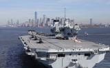英仏独の海軍、インド太平洋への関わりを相次ぎ表明している。2018年、ニューヨークに到着した英空母クイーンエリザベス (Christopher Furlong/Getty Images)