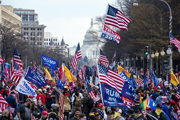 12月12日、米ワシントンDCでトランプ大統領を支持する集会が開催された(李辰/大紀元)