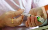 中国国内の専門家は、中国製ワクチンは「世界で最も安全ではない」と指摘した。参考写真(AFP via Getty Images)