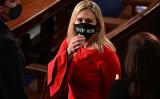 「トランプ氏が勝った(TRUMP WON)」と書かれたマスクを着けているグリーン米下院議員(ERIN SCOTT/POOL/AFP via Getty Images)