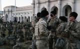 2021年1月20日、米ワシントンDCに派遣された州兵(Spencer Platt/Getty Images)
