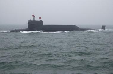 中国海軍の094型原子力潜水艦(MARK SCHIEFELBEIN/AFP via Getty Images)
