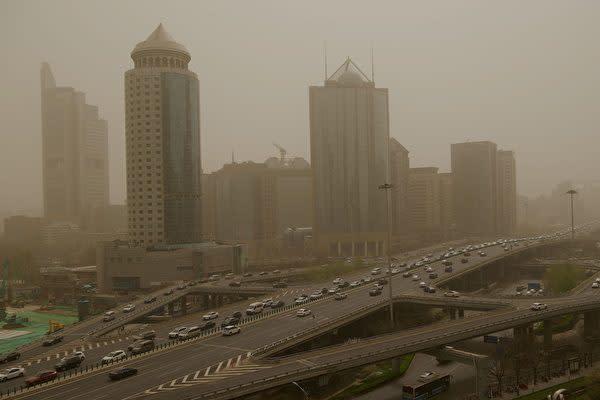 3月28日、北京市で再び砂嵐が発生した(NOEL CELIS/AFP via Getty Images)