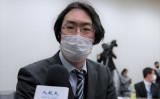 3月30日、参議院会館で大紀元の取材に応じる大磯義一郎・浜松医科大学教授(清雲/大紀元)