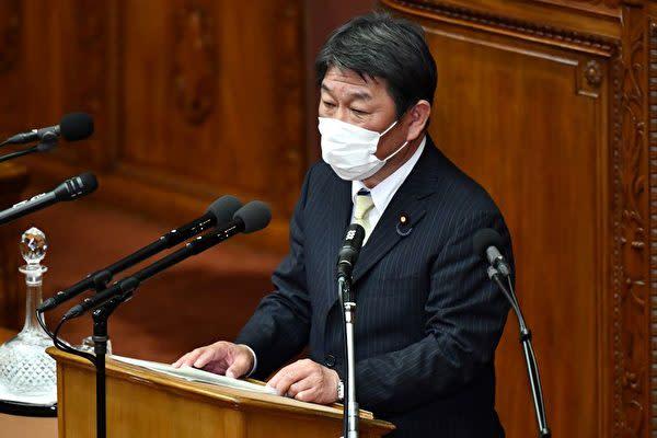 2021年4月5日、茂木敏充外務大臣と中国の王毅外相は電話で会談した(KAZUHIRO NOGI/AFP via Getty Images)