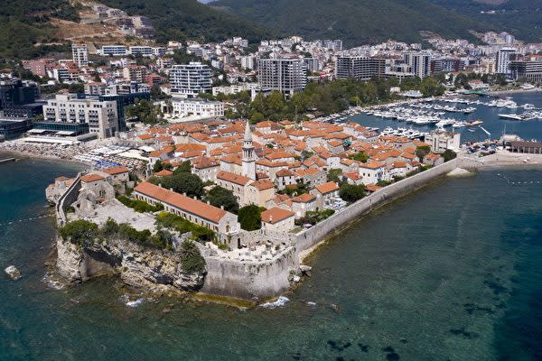 モンテネグロ共和国の都市・ブドヴァ(SAVO PRELEVIC/AFP via Getty Images)