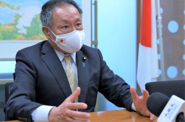 山田宏参議院議員は、中国共産党を世界の脅威と考えている。4月15日、参議院議員会館にて撮影。(清雲/大紀元)