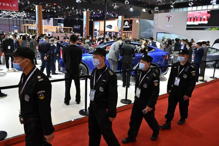 4月、第19回上海国際自動車工業展覧会(上海モーターショー2021)が上海で開かれた(HECTOR RETAMAL/AFP via Getty Images)