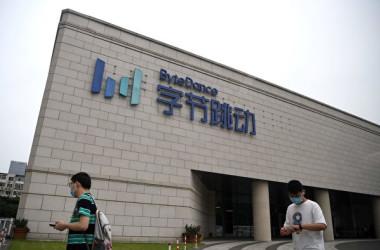 中国動画投稿アプリ「TikTok」を運営する北京字節跳動科技(バイトダンス)は20日、創業者の張一鳴氏が最高経営責任者(CEO)を退任すると明らかにした(NOEL CELIS/AFP via Getty Images)