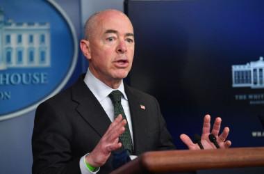 マヨルカス米国土安全保障省長官 (Nicholas Kamm/AFP via Getty Images)