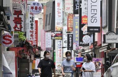 韓国・ソウルの商店街。イメージ写真(JUNG YEON-JE/AFP via Getty Images)