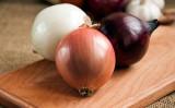 タマネギには免疫力をアップさせ、高血圧、高血糖、高脂肪の「3高」を下げる効果があります。(Shutterstock)