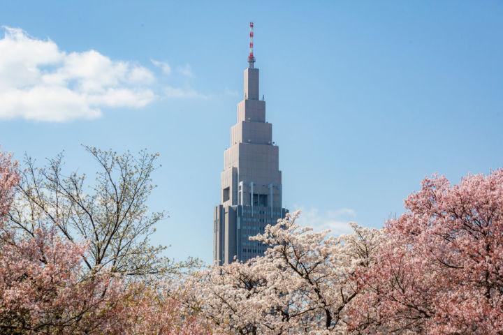 NTTドコモ代々木ビル (Photo by Yuichi Yamazaki/Getty Images)