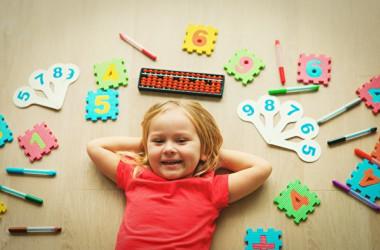米フロリダ州に住む11歳のサナ・ハーマスは、自閉症でありながら、ずば抜けた暗算の能力により、ギネス世界記録を達成した。(写真は本人ではありません)(Shutterstock)