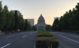 夕暮れ時の国会議事堂(王文亮)