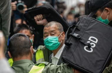 香港の終審法院に出廷した黎智英(ジミー・ライ)氏。2021年2月9日撮影(Photo by Anthony Kwan/Getty Images)
