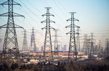 中国の電力不足は北部にも広がっている。多くの地域で「電力不足」の通知が出された(FRED DUFOUR/AFP)