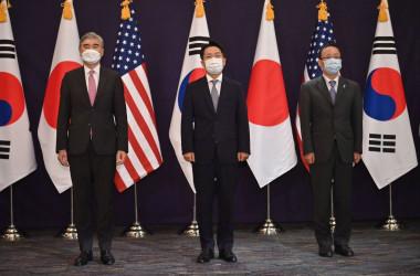 日米韓3カ国の北朝鮮担当高官の協議が21日、ソウルで行われた(Photo by JUNG YEON-JE/POOL/AFP via Getty Images)