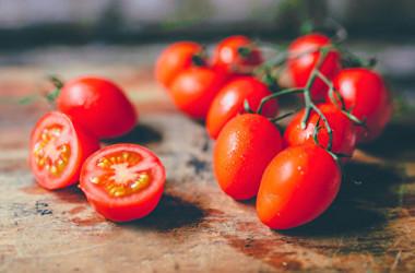 果物は健康維持に欠かせない食物ですが、なかには空腹時に避けたほうがいい果物もあります。(Shutterstock)