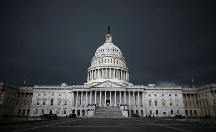 ワシントンD.C.にある米国連邦議会議事堂。2013年6月13日撮影(Mark Wilson/Getty Images)
