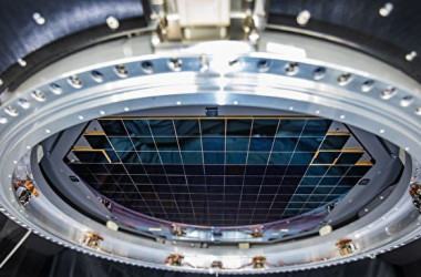 SLAC国立加速器研究所は、世界最大のデジタルカメラを開発しました。 (Jacqueline Orrell/SLAC National Accelerator Laboratory)