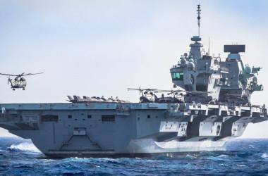 英空母「クイーン・エリザベス」(Commander UK Carrier Strike Group, @smrmoorhouse)