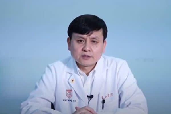 復旦大学付属華山医院感染科の張文宏主任(スクリーンショット)