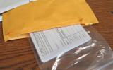 中国から届いた貨物の中で発見された、偽造「ワクチン接種済み」証明カード(CBP)