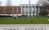 米ジョンズ・ホプキンズ大学は8月19日、中国製ワクチンなどを認めないとの声明を発表した(Rob Carr/Getty Images)