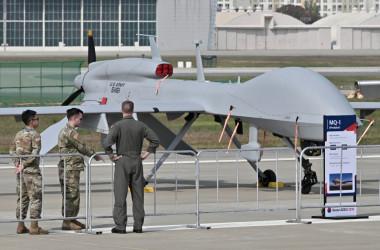 展示されている米軍のプレデター無人機。イメージ写真 (Photo by JUNG YEON-JE/AFP via Getty Images)