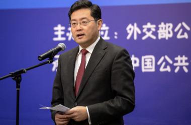写真は、中国の新たな駐米大使に起用された前外務次官の秦剛氏(2013年撮影)