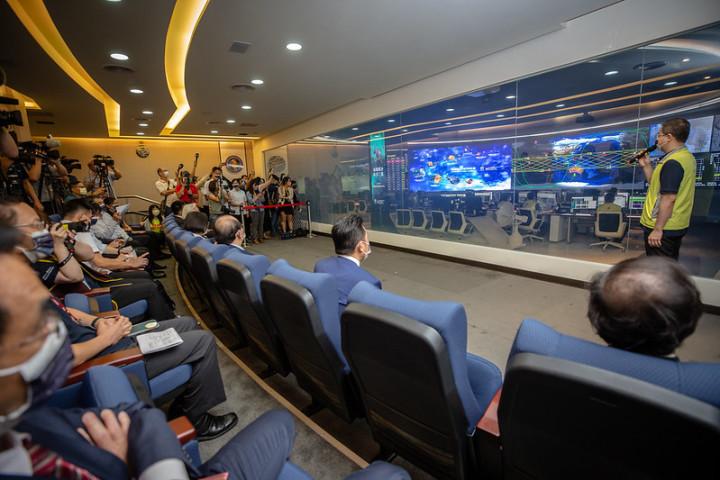 9月14日、蔡英文総統は台湾北部にある新竹市の国際宇宙センター(NSPO)を視察した。(台湾総統府)