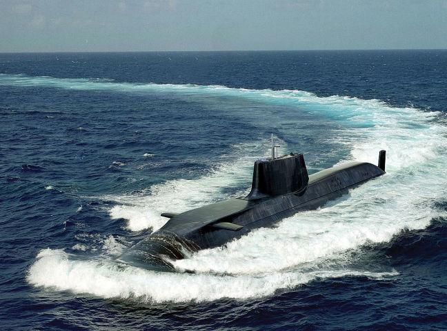 航行中の英国海軍アスチュート級原子力潜水艦。参考写真(Photo by BAE Systems via Getty Images)