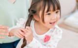 くだらない冗談でも、真面目な質問でも、子どもにとっては聞き役に徹することが大切です(mits / PIXTA)