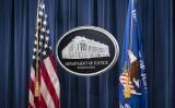 2021年1月12日、米ワシントンD.C.で見られる司法省の看板 (Sarah Silbiger-Pool/Getty Images)