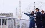 岸田首相は17日、東京電力福島第一原子力発電所を視察した(首相官邸)