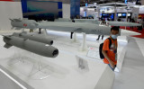 9月27日、広東省珠海市で開催された「第13回中国国際航空・航空宇宙展」で展示される超音速巡航ミサイル、参考写真 (Photo by NOEL CELIS/AFP via Getty Images)