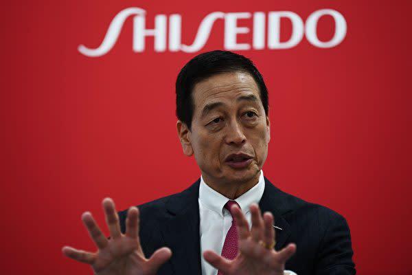 2019年11月27日、資生堂の魚谷雅彦社長は栃木県大田原市に構える新工場の竣工式でスピーチを行った(CHARLY TRIBALLEAU/AFP via Getty Images)